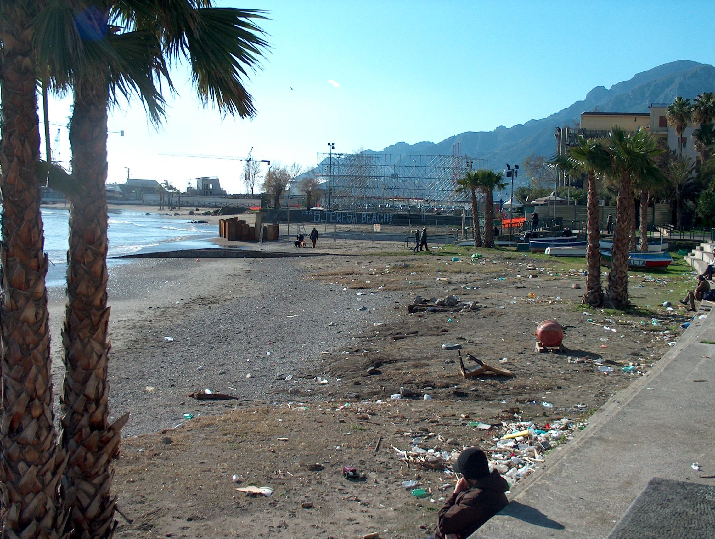 Matrimonio Spiaggia Salerno : Spiaggia salerno radiobussola radio bussola