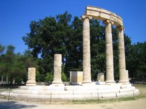 Il Philippeion (tempio di Filippo), ad Olimpia, simbolo delle Olimpiadi dell'antichità