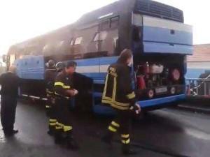 autobus sita fiamme radio bussola
