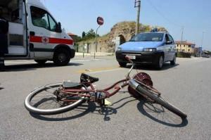 rumeno investuto bicicletta radio bussola