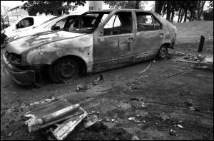 incendio auto radiobussola