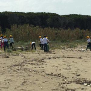 spiaggia rifiuti volontari legambiente