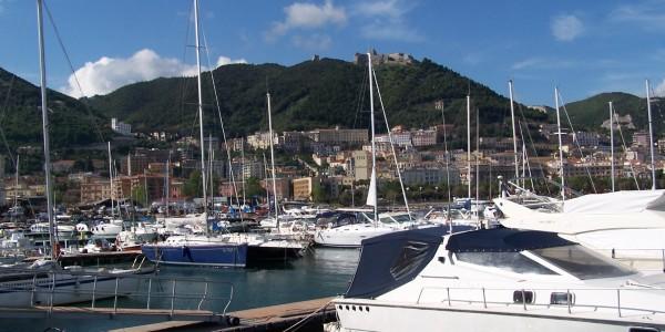 Il porto di Salerno ospita la nave Caio Duilio