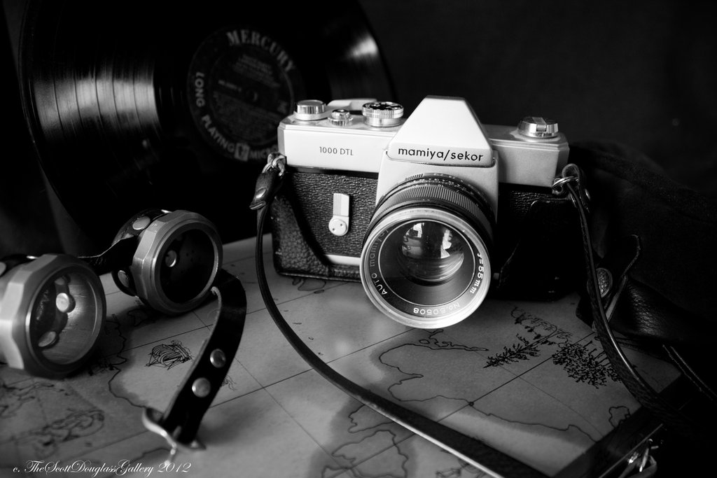 old_school___black_and_white_by_scottdouglass-d5k2xd3