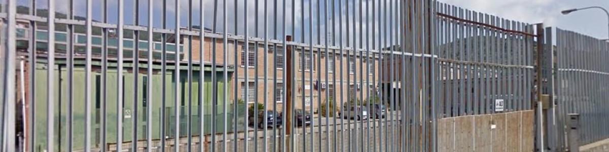 Tensione al carcere di Fuorni: detenuti fanno esplodere due bombe