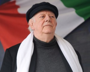 WCENTER 0XNCCGSGDA FILE Italian Nobel prize and writer Dario Fo at the Castello Place during a demonstration to defend the Italian Constitution, in Milan, 12 March 2011. ANSA/MILO SCIAKY