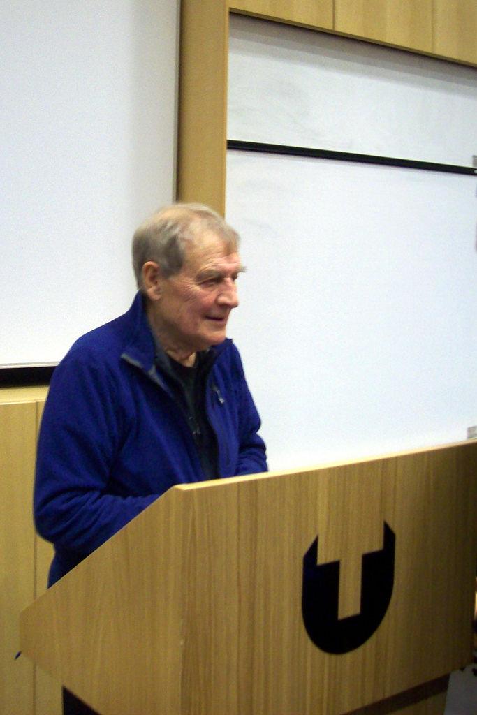 Tony harrison ospite a casa della poesia di baronissi for Ospite inglese