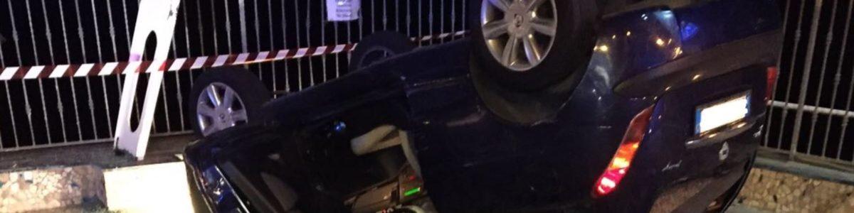 Scontro tra auto a Pontecagnano Faiano