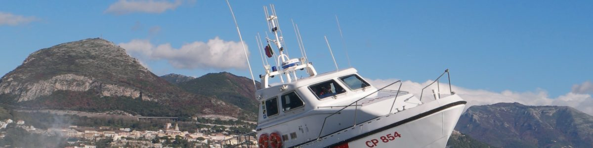 Intervento della Guardia Costiera di Salerno nelle acqua di Santa Teresa