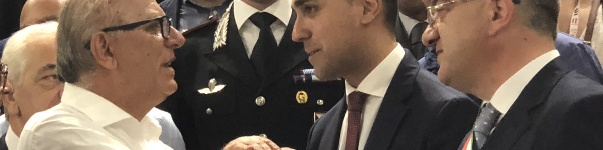 Il vicepremier Di Maio a Giffoni: «Qui, modello di governo» – FOTO