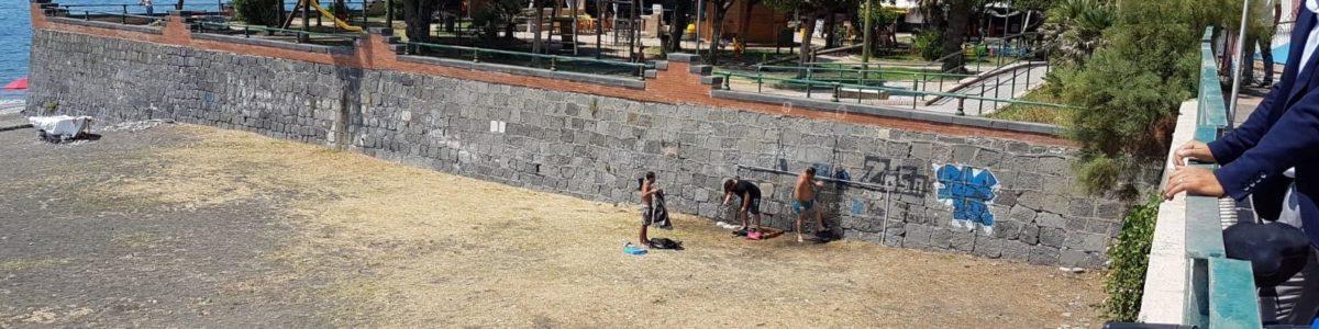 Salerno, ecco le docce pubbliche sul lungomare
